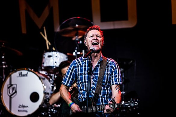 Country music artist Craig Morgan singing on stage
